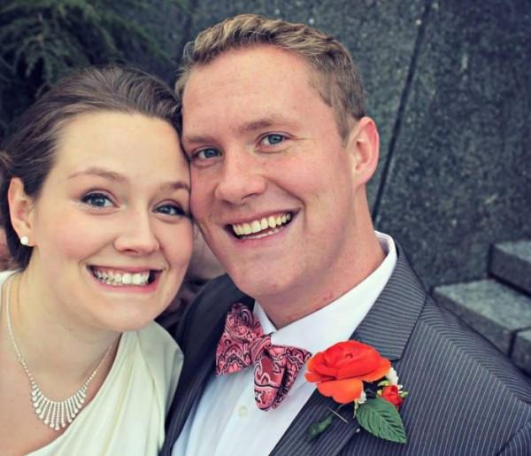 Hátborzongató dolgot vették észre kedvelt esküvői fotójukon
