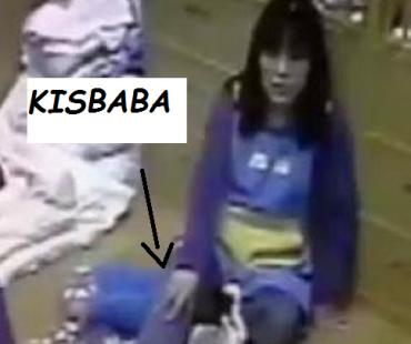 100 milliós vérdíj a kínai dadára, aki ráült a babára, és megölte – Sokkoló videó