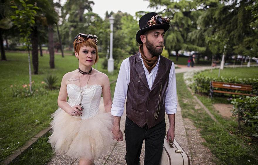 Steampunk-Victorian-Alice-in-Wonderland-Concepted-Wedding-Campaign1__880