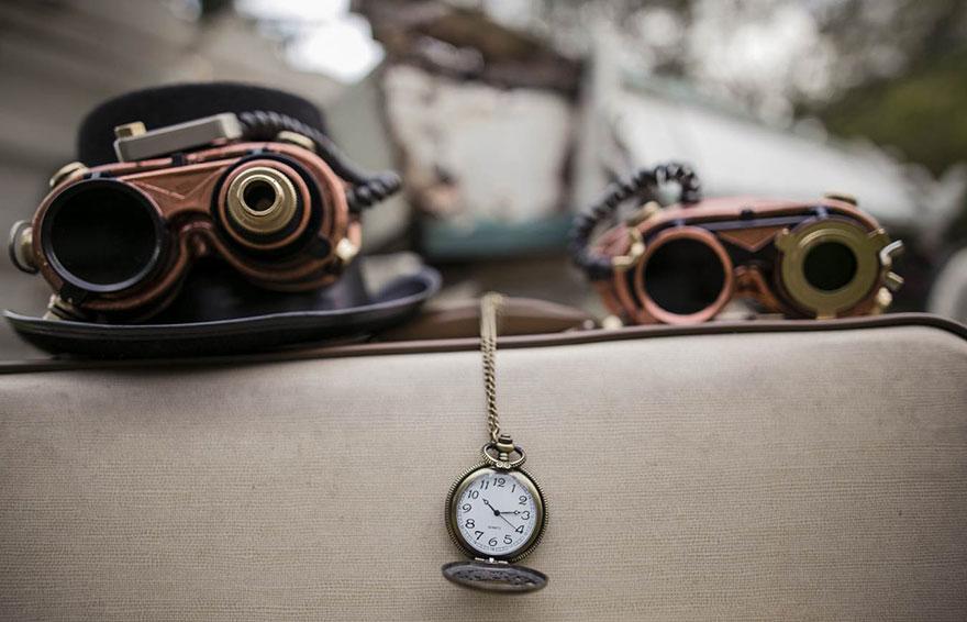 Steampunk-Victorian-Alice-in-Wonderland-Concepted-Wedding-Campaign2__880
