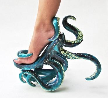 Csápos magassarkúak és egyéb őrült cipők Kermit Tesoro jóvoltából