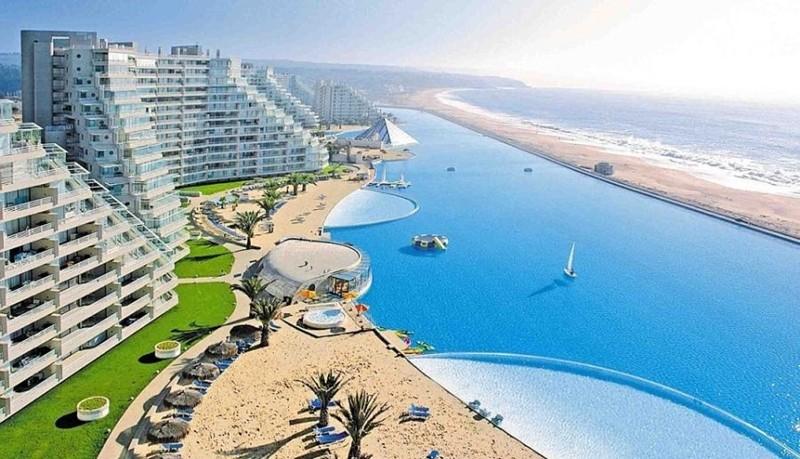 Íme a világ legnagyobb úszómedencéje