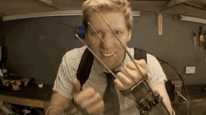 Brit feltaláló valódi, teljes funkcionalitású Farkas karmokat épített