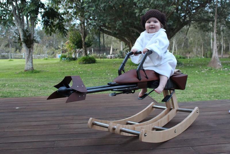 'Star Wars' rakéta lovat épített lánya első születésnapjára ez az apa