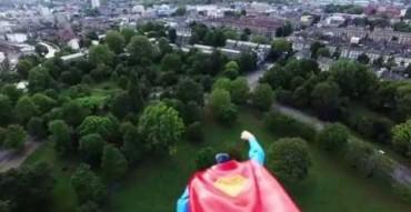 Ez a fotós zseniális módon avatta fel új drónját