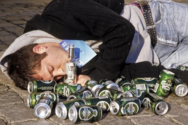 15 legviccesebb részegen küldött SMS. Szakadok rajtuk!