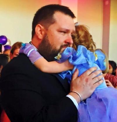 Csodaszép utolsó születésnapot rendeztek a rákos kislánynak, a megtört szülők